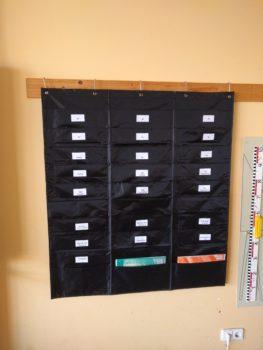Hängeorganizer mit 30 Fächern für beispielsweise Arbeitsblätter oder Unterrichtsmaterialien